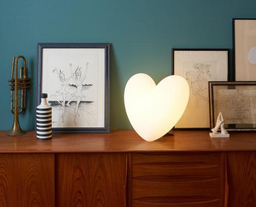 Slide table lamp love